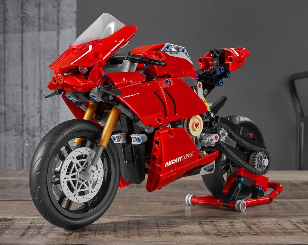 可奔馳於賽道的紅色閃電! LEGO 42107 科技系列【杜卡迪 Panigale V4 R】Technic Ducati Panigale V4 R