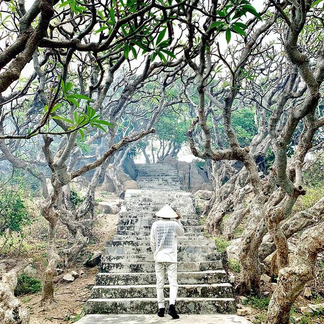 Phượt Hot - Phượt Bình Thuận đến thăm ngọn hải đăng cổ ở Mũi Kê Gà (17)