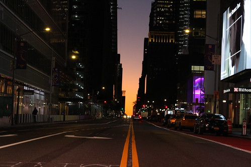 usa manhattan 42thstreet sunrise leverdesoleil matin morning colors couleurs urban urbain nyc newyork aube earlymorning streetlife eveil
