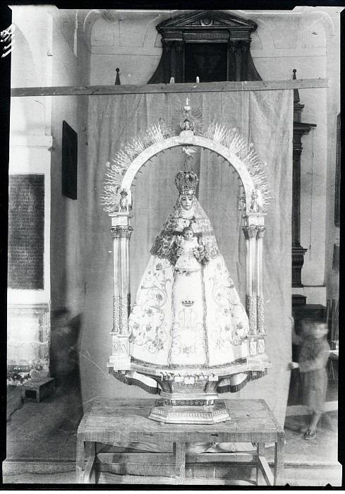 Virgen del Consuelo en la Iglesia de San Lorenzo a comienzos del siglo XX