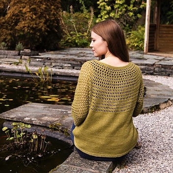 Greenall by Safuyyah Talley is a gorgeous lacy free pattern with the purchase of Road to China Light, a luxurious blend of baby alpaca, silk, camel and cashmere.