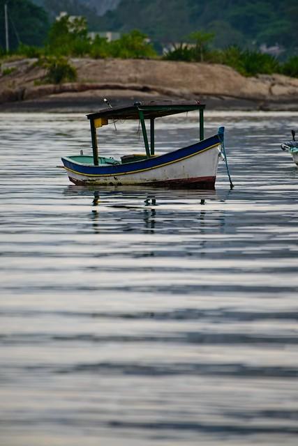 Barco de pesca em Jurujuba