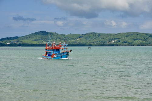 Leaving Rassade Pier, Phuket