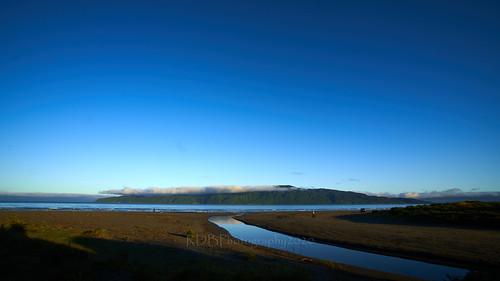 kapiti beach morning sunrise coast seaside west ocean tasman sea island reflection stream sand sigma1730mmdexdg