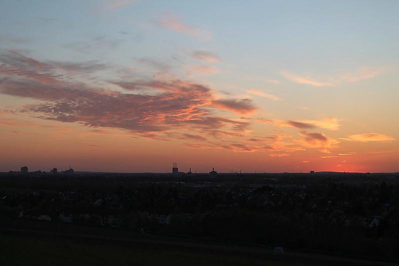 Auf dem Müllberg Großziethen - Sonnenuntergang über Berlin 17-04-2020