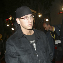 LOS ANGELES - NOV 6: Eminem at the premiere of '8 Mile' at the Mann Village Theater on November 6, 2