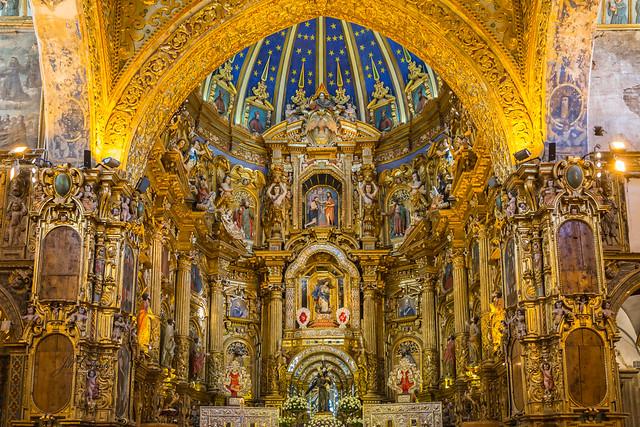 Armchair Traveling - Iglesia y Convento de San Francisco, Quito, Ecuador