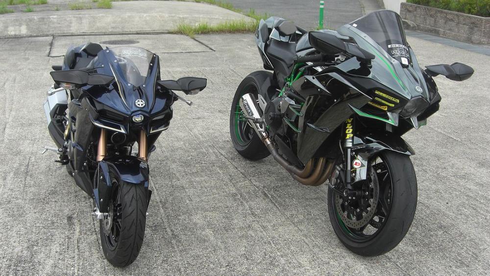 Kawasaki H2 vs h2 F