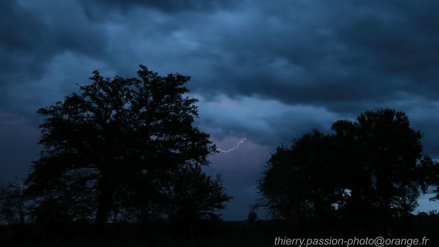 Orage capture d'un éclaire