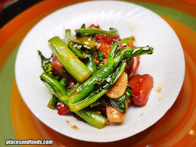 wuff and wok kailan siew yuk
