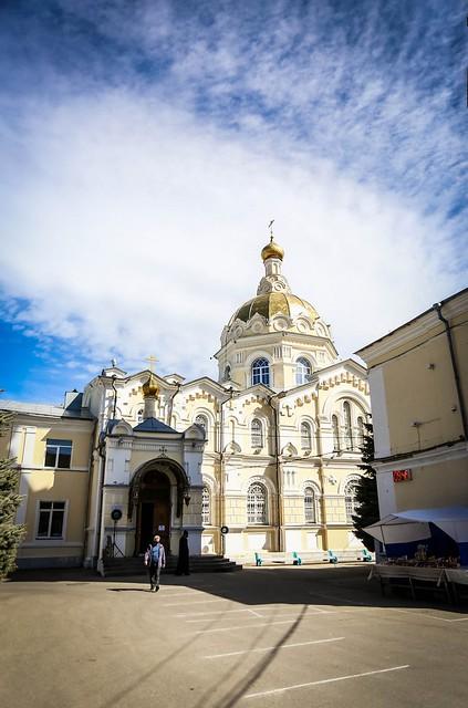 18 апреля 2020, В Великую Субботу митрополит Кирилл совершил Литургию в Андреевском соборе