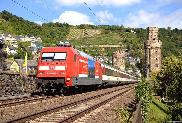 101 006-5 Berner-Oberland mit dem EC7 von Hamburg-Altona nach Zürich HB in Oberwesel am 24.06.14