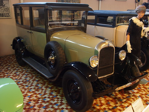 1927_Citroën_Type_B14F_four_cylinder_9CV_at_the_Musée_Automobile_de_Vendée_pic-1r