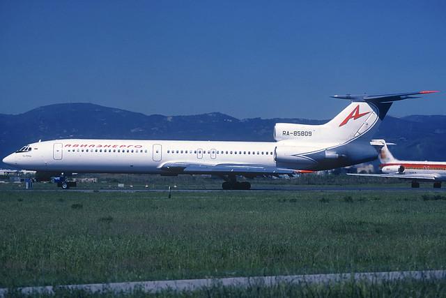 Aviaenergo TU-154M RA-85809 BCN 18/05/2002