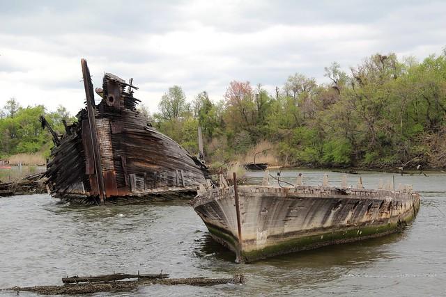 Shipwrecks of Curtis Creek
