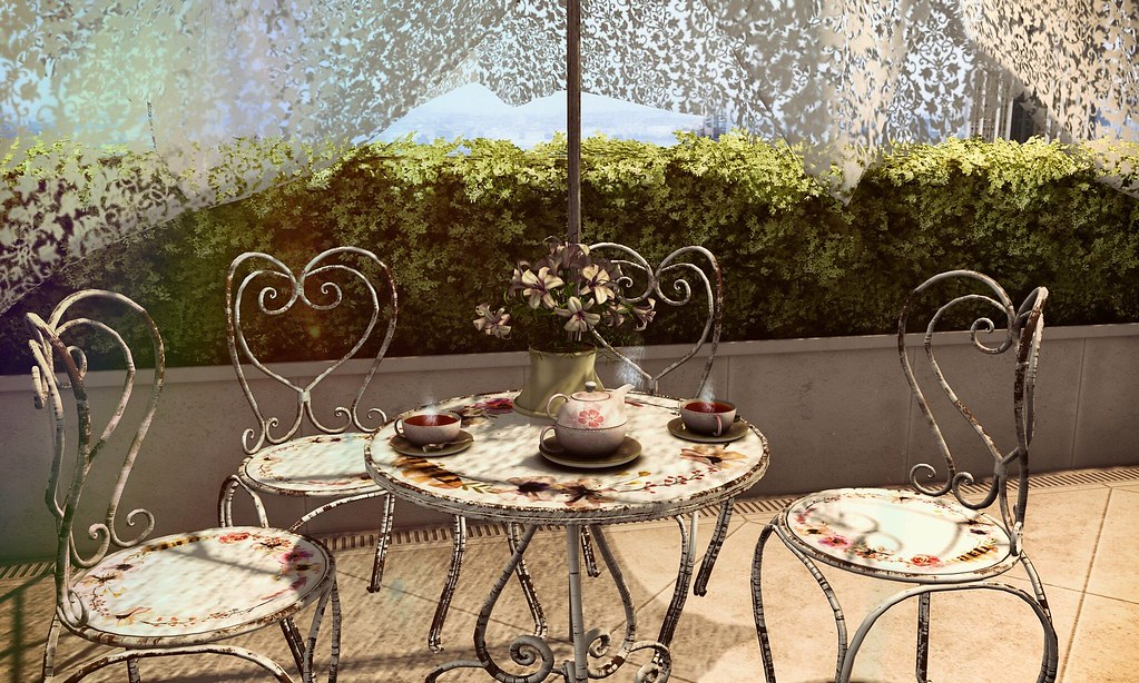 This weekend only for the 60$L Happy Weekend by ACCESS the Happy Spring complete outdoors tea set for couples and also friends! At Aphrodite Shop entrance Thank you si much Hadassa Jun for the pic ❤