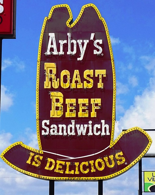 IN, Warsaw-U.S. 30 Arby's Big Hat Neon Sign