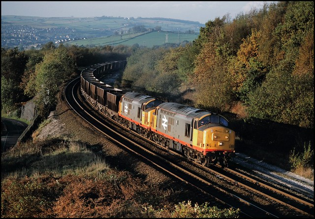 Buxworth Curve, Railfreight 37671 & 37686 (Collyhurst Street - Great Rocks) 28/10/87.