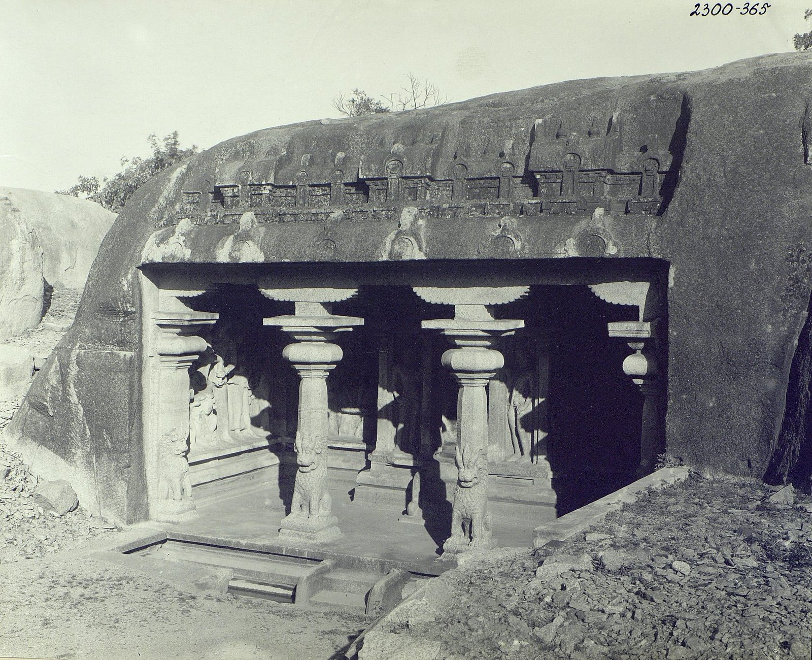 07. Мамаллапур (вход в храм)