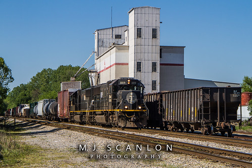 business cnmemphissubdivision cnrjy30 canadiannational cargo commerce digital emd engine freight horsepower ic1010 ic1019 ilinoiscentral landscape locomotive logistics memphis merchandise mojo move outdoor rjy30 rail railfan railfanning railroad railroader railway sd70 scanlon tennessee track train trains transport transportation ©mjscanlon ©mjscanlonphotography