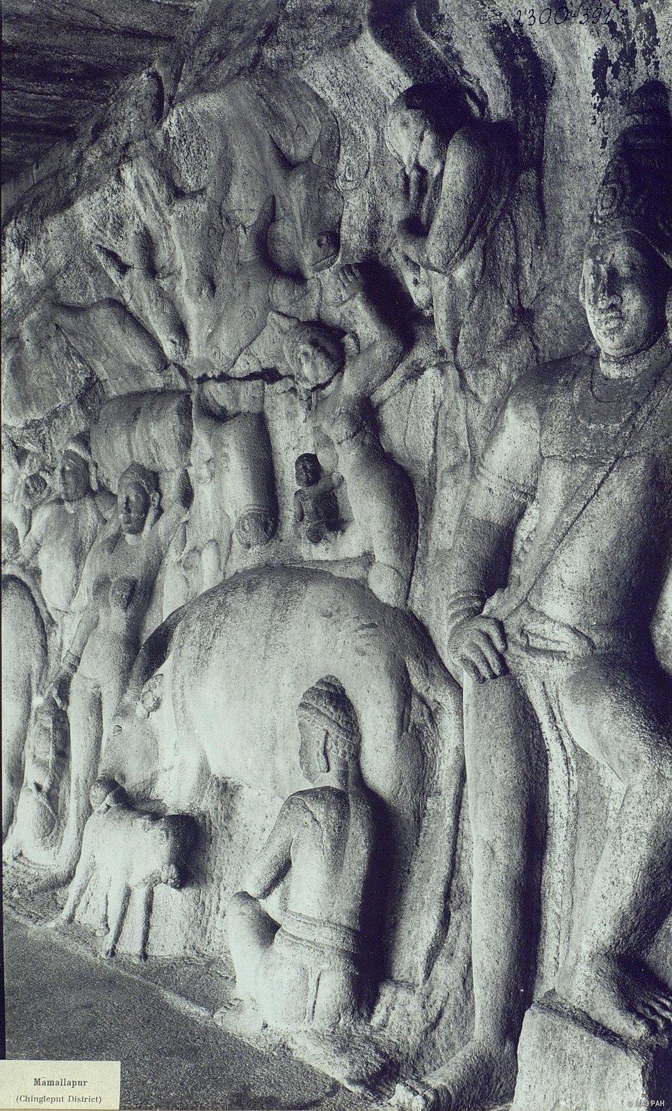 25. Мамаллапур (деталь рельефа «Доильщик и корова с теленком»)
