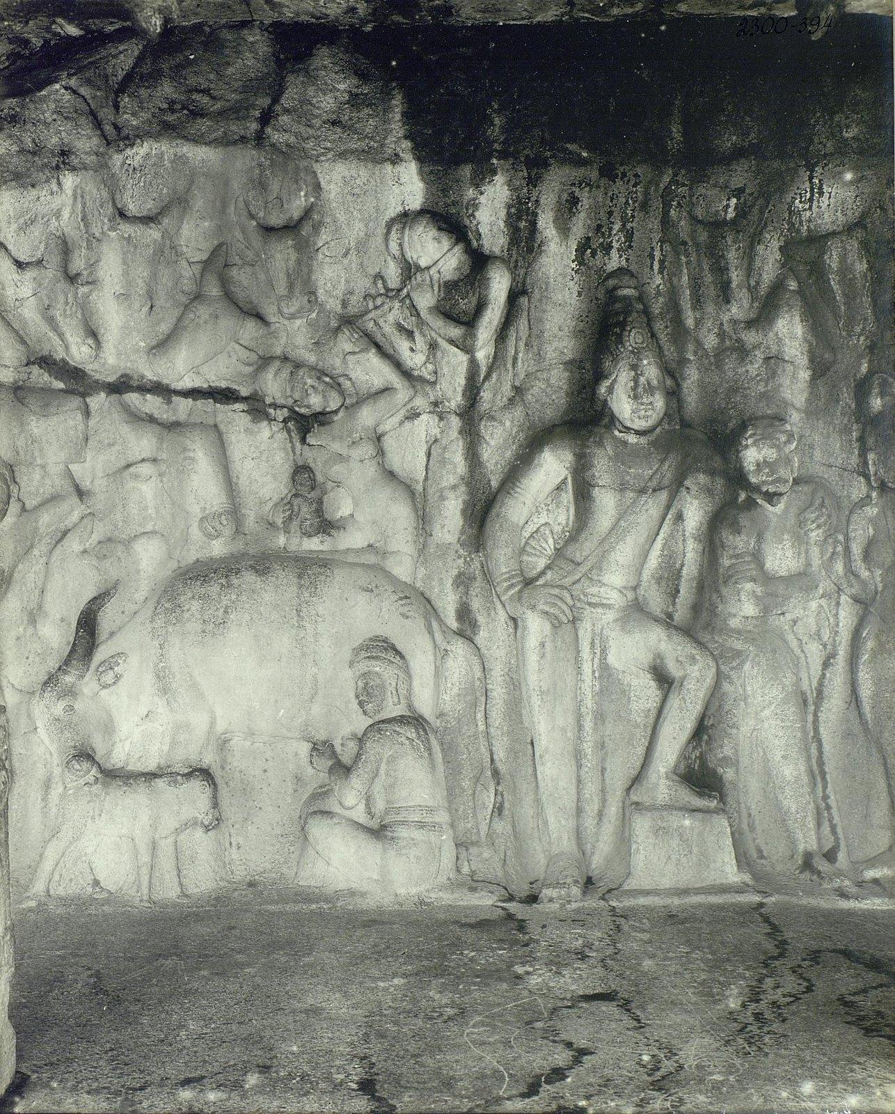 23. Мамаллапур (деталь рельефа «Доильщик и корова с теленком»
