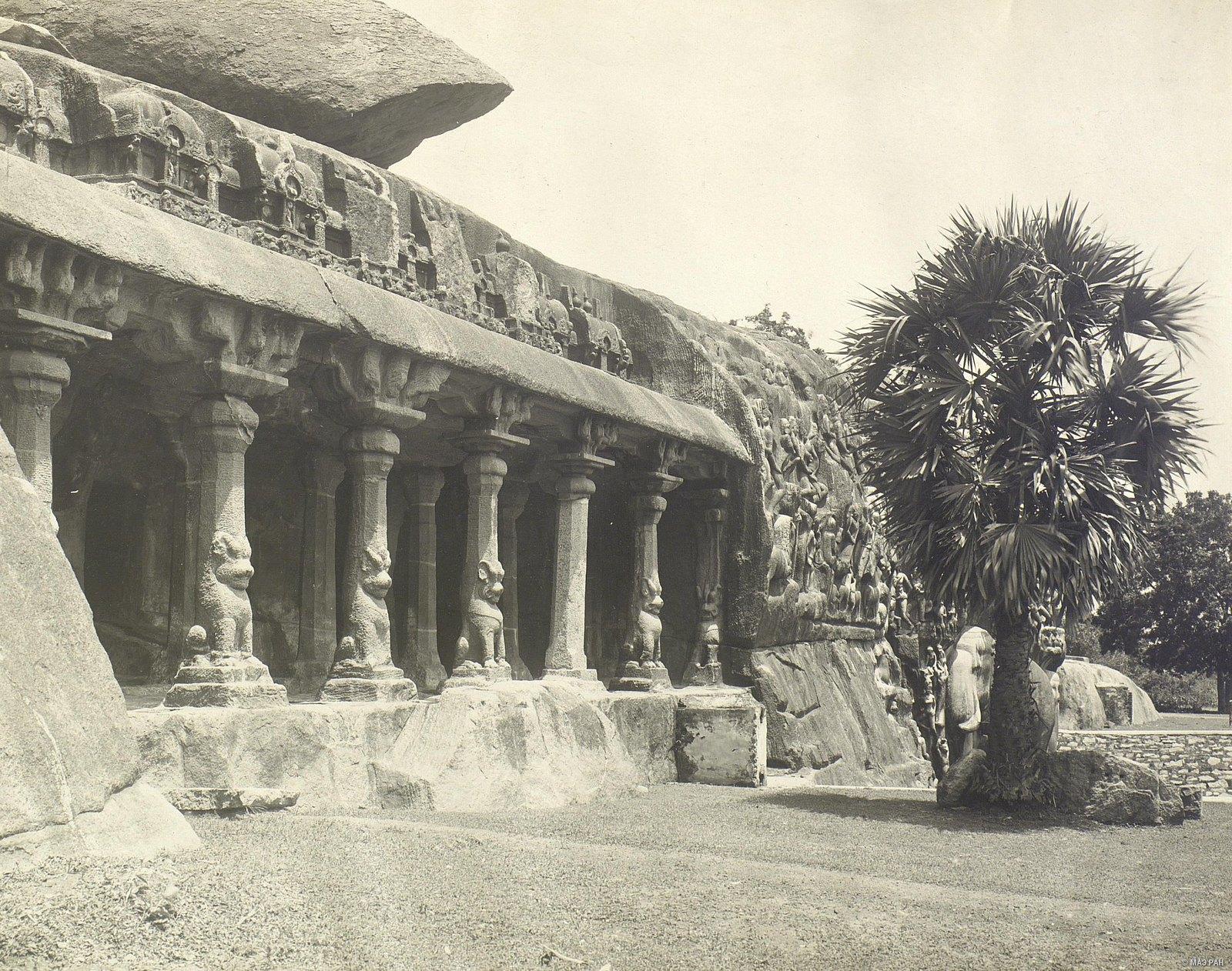 05. Мамаллапур (вход в пещерный храм)