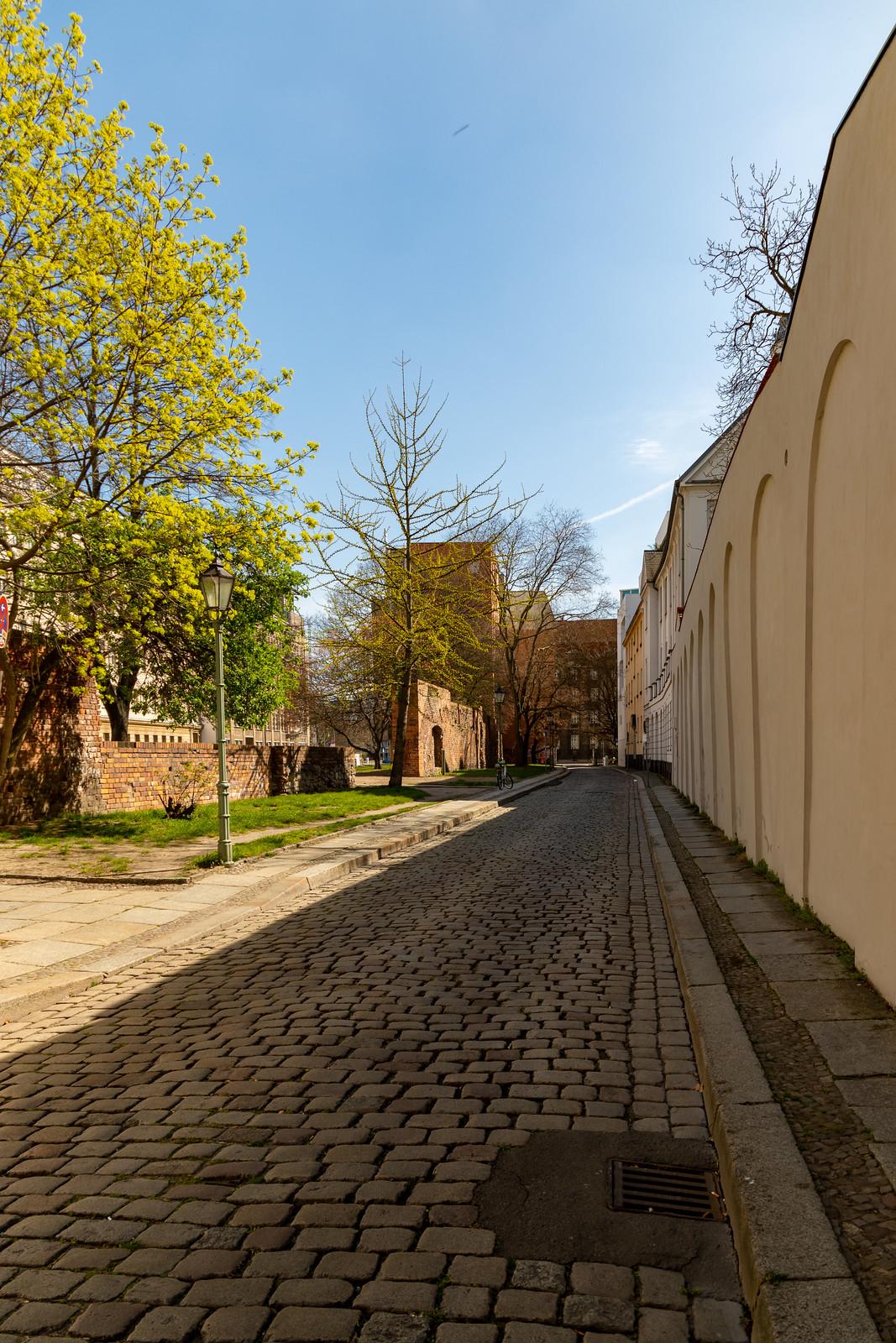 Die Waisenstraße