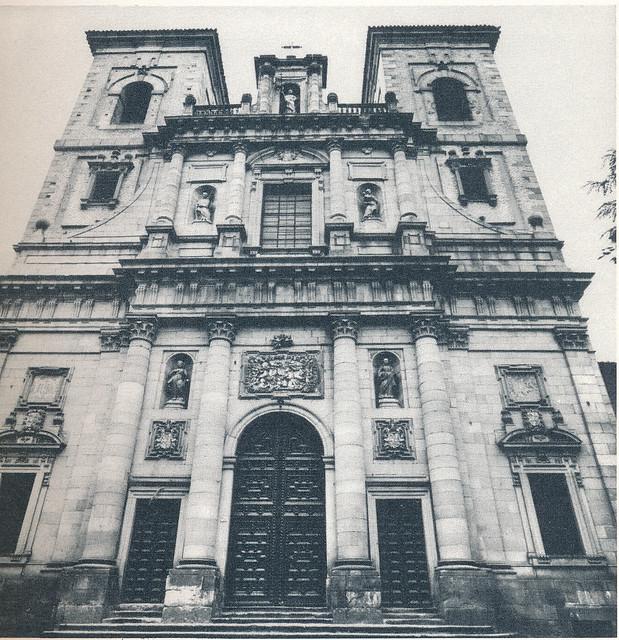 Iglesia de san Ildefonso o los Jesuitas en Toledo hacia 1970 fotografiado por Mario Carrieri