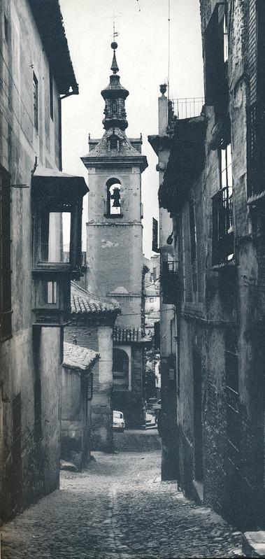Iglesia de San Justo en Toledo hacia 1970 fotografiado por Mario Carrieri