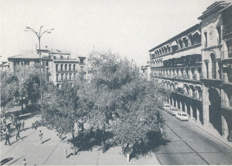 Plaza de Zocodover en Toledo hacia 1970 fotografiado por Mario Carrieri