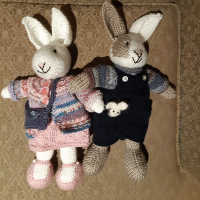 Bears and bunnies by Little Cotton Rabbits knit by Carola!