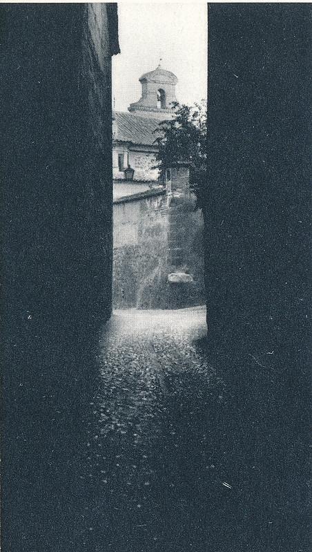 Cobertizo de la zona conventual de Toledo hacia 1970 fotografiado por Mario Carrieri