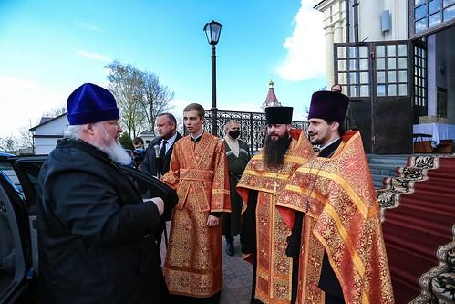 19 апреля 2020, В праздник Светлого Христова Воскресения митрополит Кирилл совершил Пасхальную великую вечерню