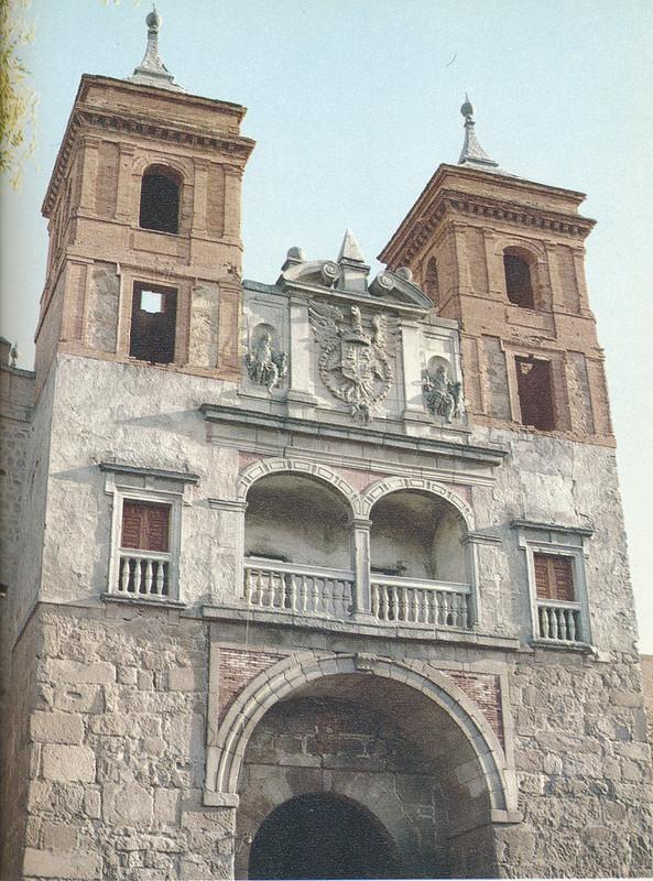 Puerta del Cambrón en Toledo hacia 1970 fotografiado por Mario Carrieri