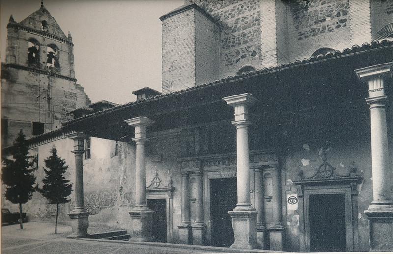 Plaza y monasterio de Santo Domingo el Real en Toledo hacia 1970 fotografiados por Mario Carrieri