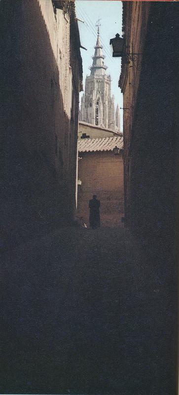 Callejón de Santa Úrsula en Toledo hacia 1970 fotografiado por Mario Carrieri