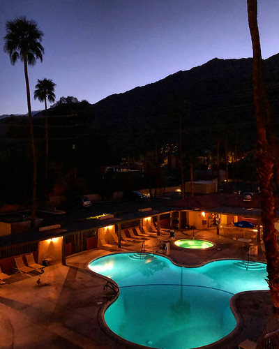 california sunset mountain mountains pool hotel evening view palmsprings motel ridge swimmingpool nighttime socal southerncalifornia viewpoint mountainridge palmtrees palmtree dusk