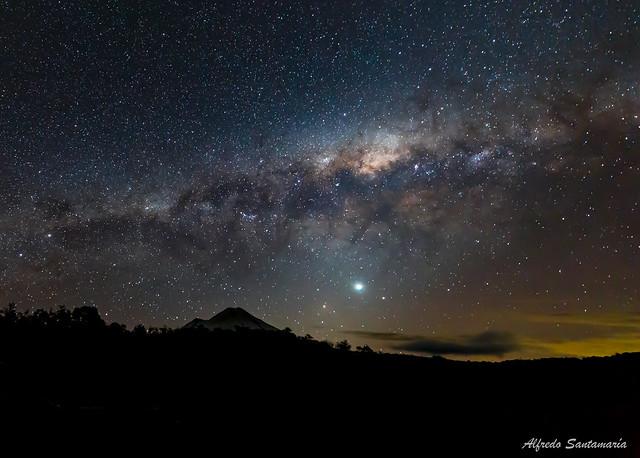 Volcán y Galaxia