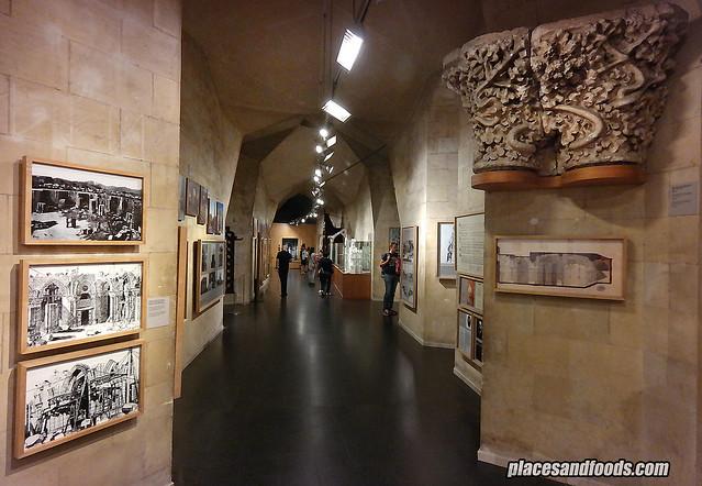 barcelona sagrada familia basement