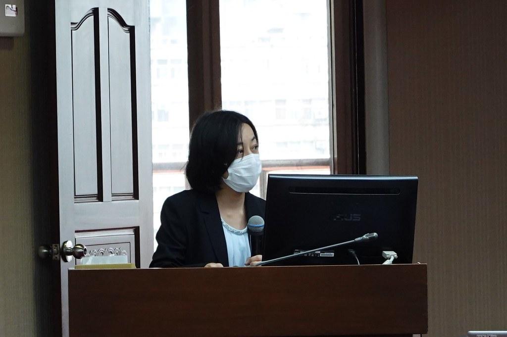 立委王婉諭則指出,民間企業發起循環包裝募資反應熱烈,環保署應有積極作為。孫文臨攝