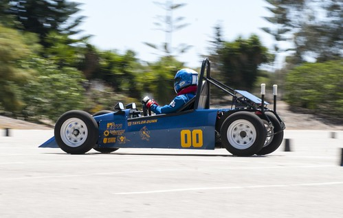 blue-cart_panning-1024x652