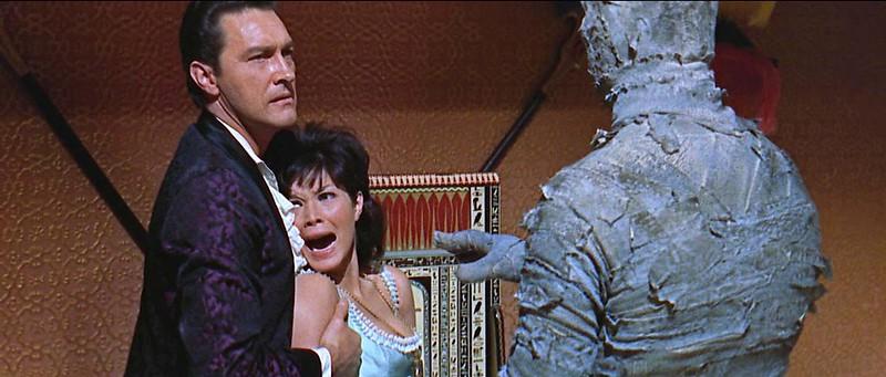 Terence Howard et Jeanne Roland dans Les Maléfices de la momie / The Curse of the Mummy's Tomb (Michael Carreras, 1964)