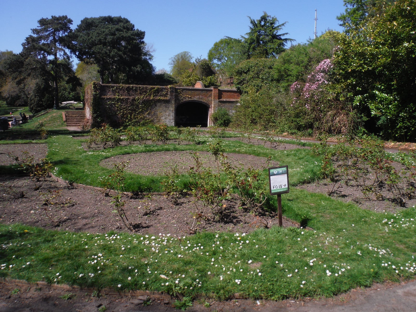 Rose Garden at Site of Jackwood House, Jack Wood SWC Short Walk 44 - Oxleas Wood and Shooters Hill (Falconwood Circular)
