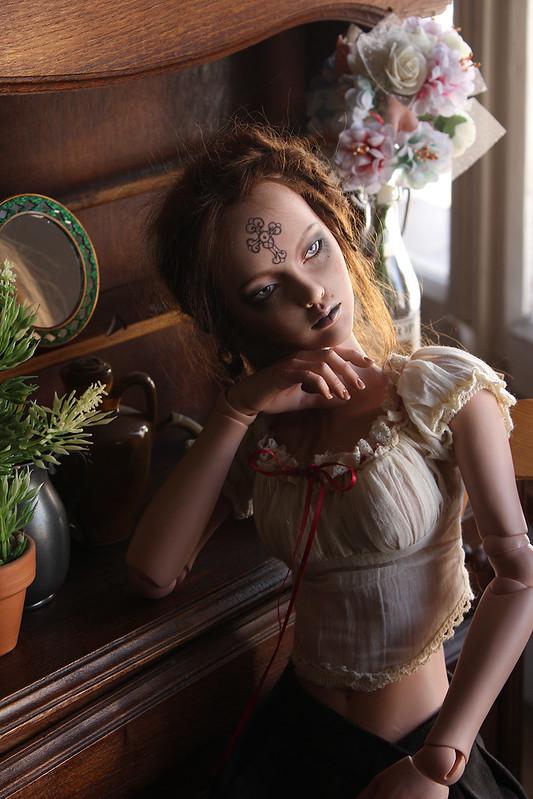 Ooo... Le vampire ...ooO (Nyxdoll Katrina, p.60)  - Page 57 49797721877_d9f644e0e5_c