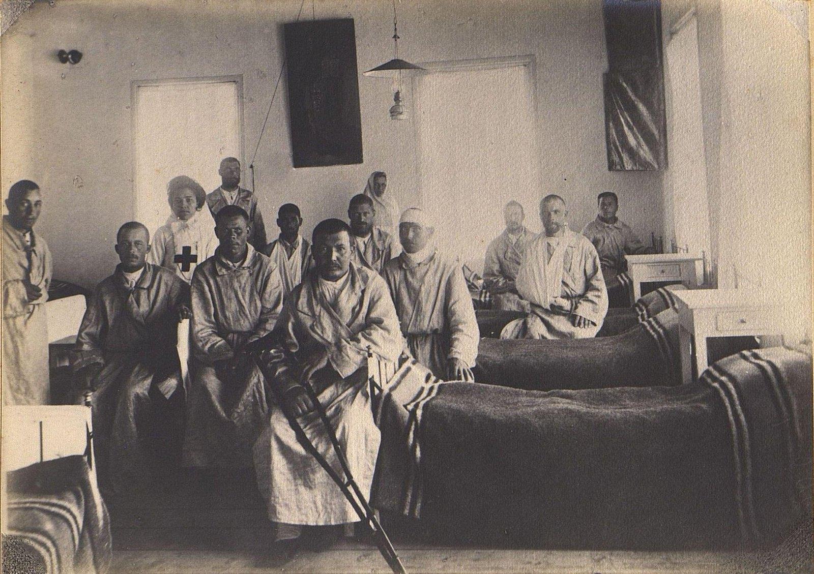 11. Раненые в палате
