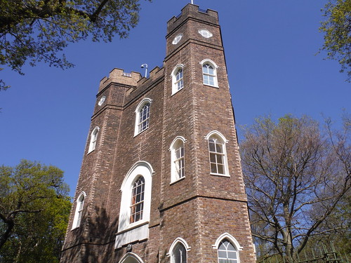 Severndroog Castle SWC Short Walk 44 - Oxleas Wood and Shooters Hill (Falconwood Circular)