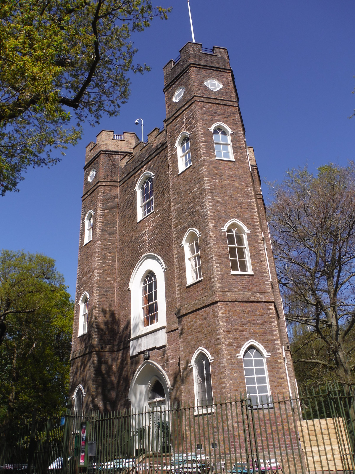 Severndroog Castle without outdoor seating of tearoom (Covid-19 lockdown) SWC Short Walk 44 - Oxleas Wood and Shooters Hill (Falconwood Circular)