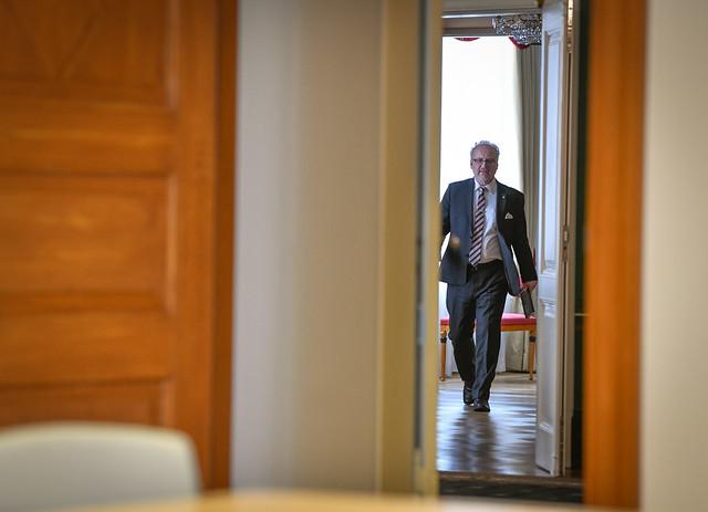 20.04.2020. Valsts prezidenta Egila Levita videosaruna ar Eiropas Komisijas izpildviceprezidentu Valdi Dombrovski