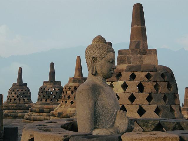 Detalle del Templo de Borobudur en Indonesia (Patrimonio arqueológico de gran valor en el Sudeste Asiático)